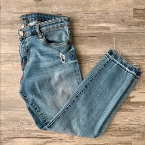 Kut from the Kloth Distressed Ankle Crop Jeans 10